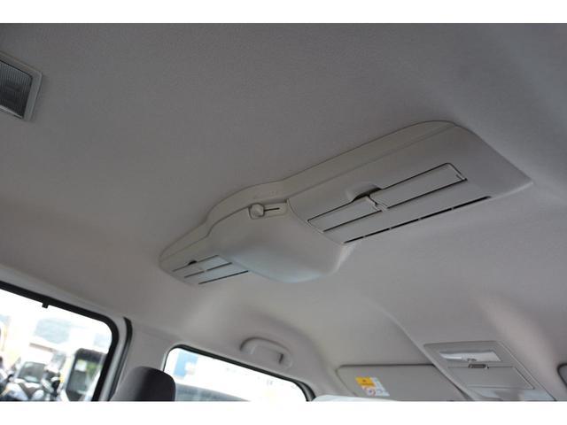キーフリー&プッシュスタート付きですので、ドアの開閉からエンジン始動まで鍵を携帯しているだけで出来ちゃいますよ^^問い合わせはカーベル姫路東カーズカフェまで♪079-280-118お電話ください^^