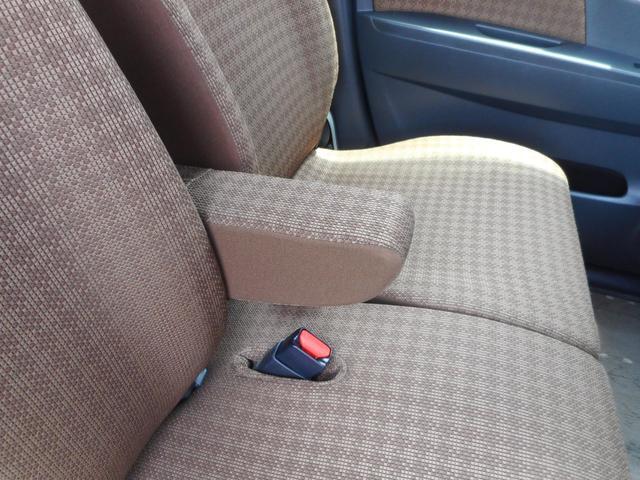 アームレストが付いていると運転する際も楽ですよ♪付いていると嬉しい機能の1つです☆