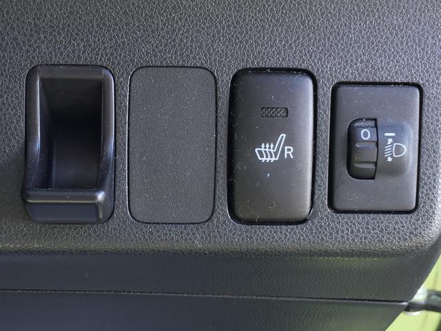 運転席にはシートヒーターも付いてます☆寒い時期に重宝します☆