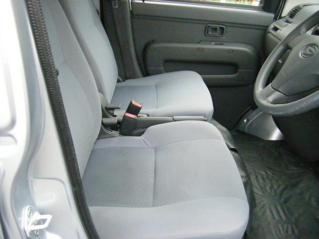 フロントシートになります♪目立つ汚れなど無く、キレイな状態です♪
