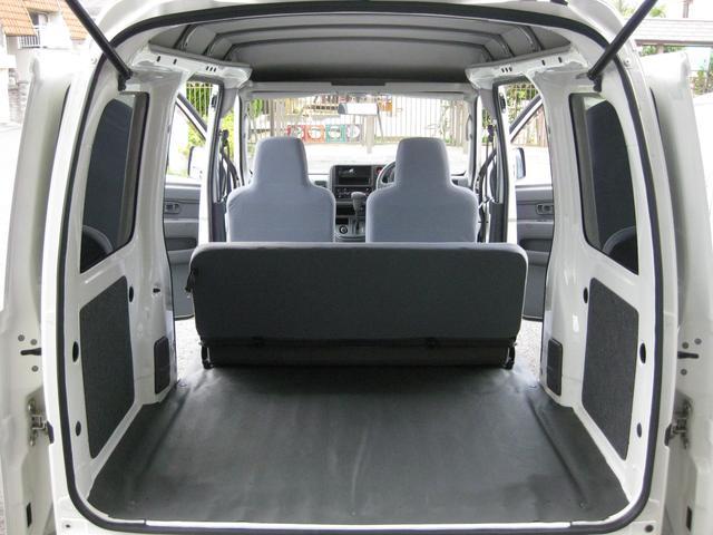 丁寧に使用されていた車両なので荷室綺麗です! 荷室コンディション良好です!