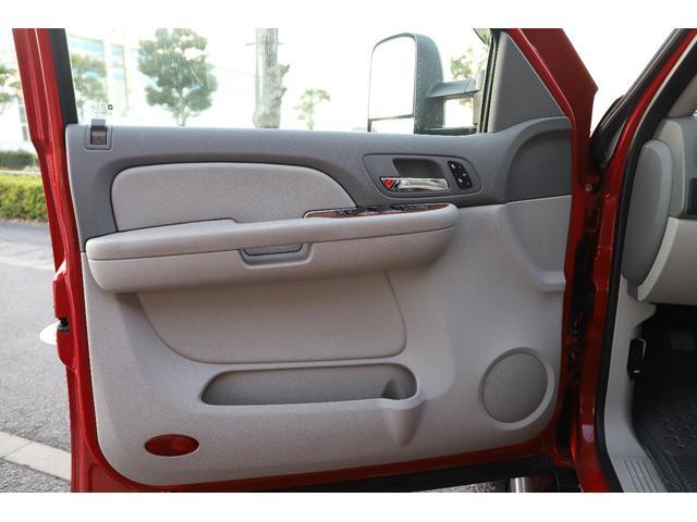 「シボレー」「シボレー シルバラード」「SUV・クロカン」「滋賀県」の中古車51