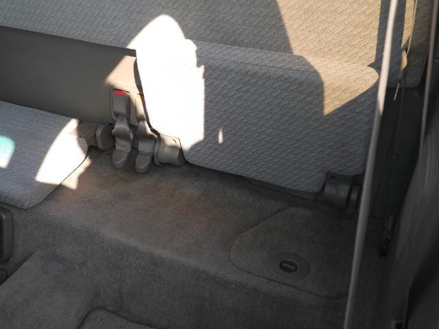 エクストラキャブ 左ハンドル 4輪独立ハイスピードエアサス タンク2基 コンプレッサー2基 Cノッチ ベンチシート トノカバー ホワイトリボンタイヤ 新車並行 ボイドステアリング SDナビ TV ETC セキュリティー(30枚目)