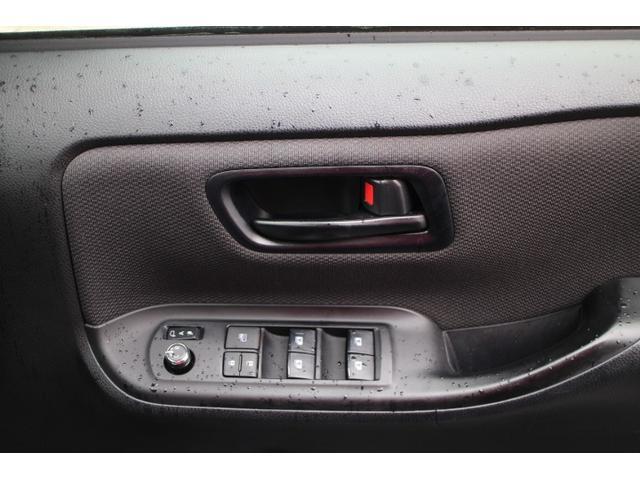 X 横滑り防止 LEDライト オートクルーズ CD レンタアップ DVD レーンアシスト メモリナビ ETC キーレス オートライト 3列シート パワステ ABS イモビライザー リアオートエアコン BT(41枚目)