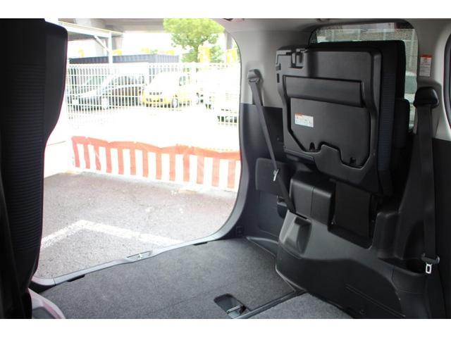 X 横滑り防止 LEDライト オートクルーズ CD レンタアップ DVD レーンアシスト メモリナビ ETC キーレス オートライト 3列シート パワステ ABS イモビライザー リアオートエアコン BT(51枚目)