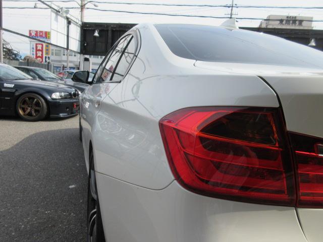 「BMW」「3シリーズ」「セダン」「大阪府」の中古車11
