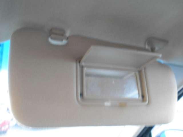 エクシモ 2.0 エクシモ 5速マニュアルミッション車・DVDナビ付・オートエアコンなど付いています(12枚目)