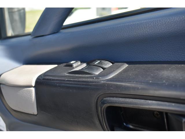 ベースグレード 古河4段ユニック ラジコン 4トン車 荷台鉄板加工 6速MT車 新品メッキバンパー メッキグリル(17枚目)