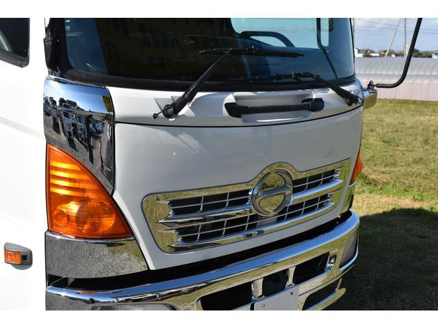 ベースグレード 古河4段ユニック ラジコン 4トン車 荷台鉄板加工 6速MT車 新品メッキバンパー メッキグリル(44枚目)
