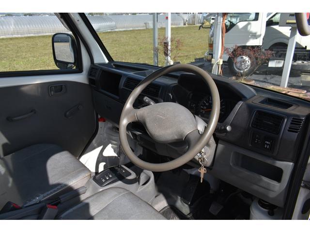 V-LTD エアコン パワステ AT車 4WD 荷台ゴムマット ユーザー買取車(4枚目)