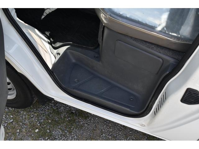 V-LTD エアコン パワステ AT車 4WD 荷台ゴムマット ユーザー買取車(12枚目)