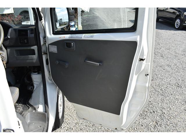 V-LTD エアコン パワステ AT車 4WD 荷台ゴムマット ユーザー買取車(14枚目)