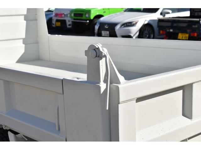 強化ダンプ 2トンダンプ 新品シートカバー メッキバンパー メッキグリル 5速MT車 最大積載2000KG 左電格ミラー 3人乗り(50枚目)