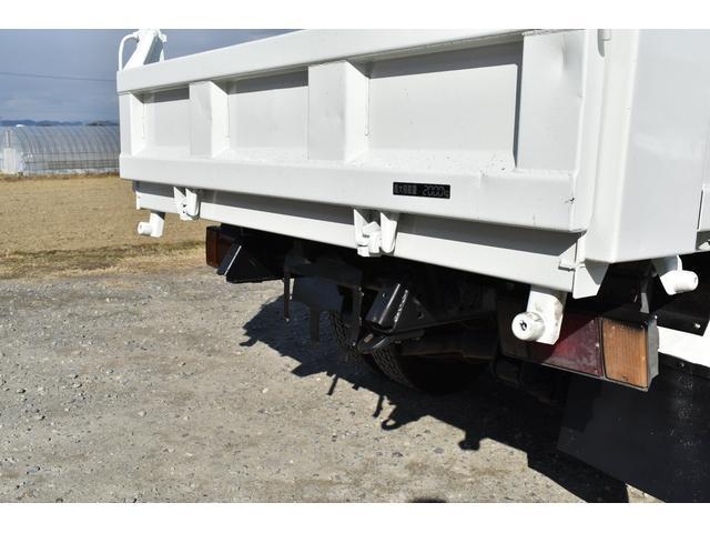 強化ダンプ 2トンダンプ 新品シートカバー メッキバンパー メッキグリル 5速MT車 最大積載2000KG 左電格ミラー 3人乗り(54枚目)