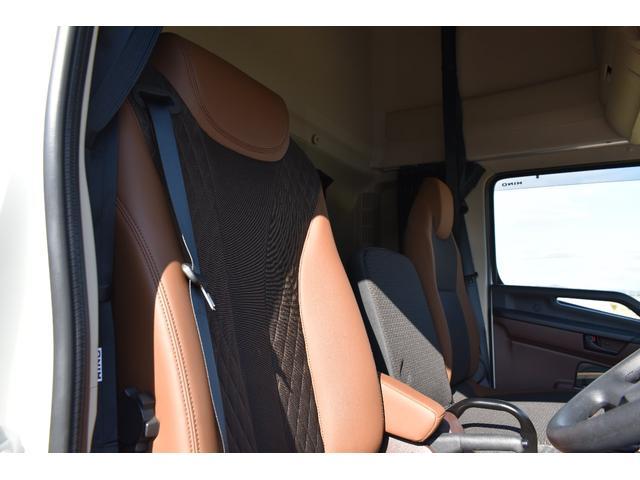 積載車 ステンレス加工 油圧リアゲート ユニックネオ5 ハイルーフ ベッド付き カーテン 内装LED コーナーLED フルメッキ装着 レーダー ドラレコ ETC 社外ナビ TV走行中OK 道具箱(5枚目)