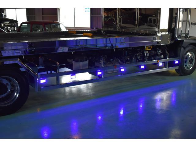 積載車 ステンレス加工 油圧リアゲート ユニックネオ5 ハイルーフ ベッド付き カーテン 内装LED コーナーLED フルメッキ装着 レーダー ドラレコ ETC 社外ナビ TV走行中OK 道具箱(73枚目)