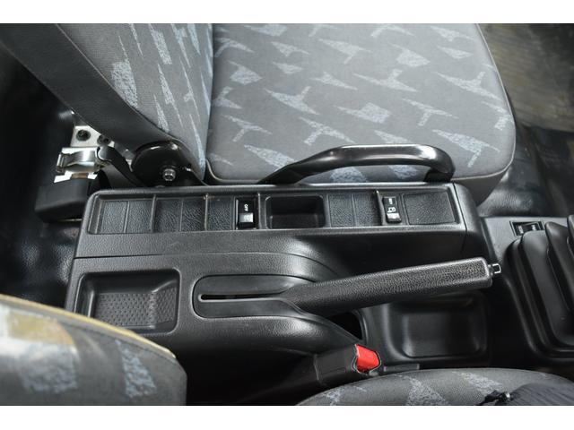 ベースグレード 古河4段ユニック ラジコン フックイン メッキバンパー メッキコーナーパネル メッキグリル メッキミラーカバー UNIC 2010年式 2.93吊 荷台寸法・内寸540.211 ETC AT車両(12枚目)