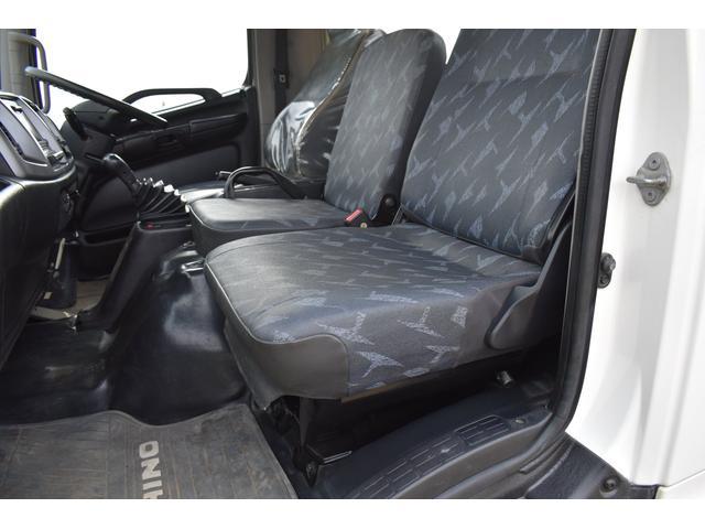 ベースグレード 古河4段ユニック ラジコン フックイン メッキバンパー メッキコーナーパネル メッキグリル メッキミラーカバー UNIC 2010年式 2.93吊 荷台寸法・内寸540.211 ETC AT車両(18枚目)