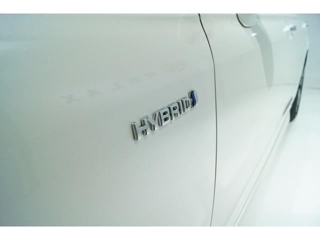 磨きをかけたハイブリッドが満を持して登場!23.5km/1Lと驚きの低燃費となっております!