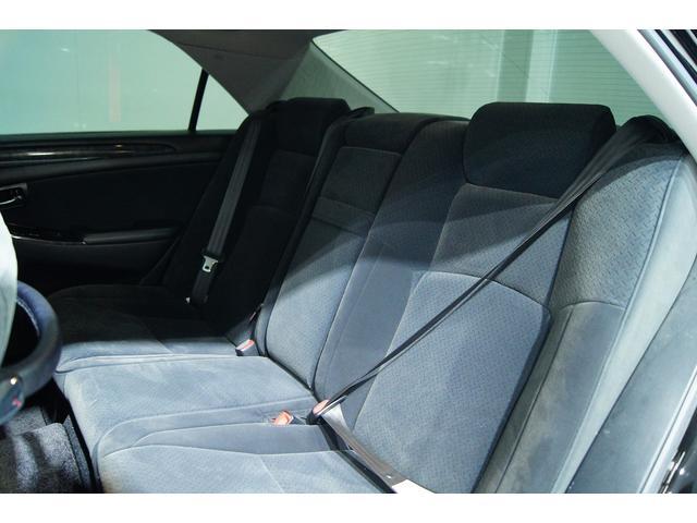 後部座席も使用感少なくいいコンデッションです!