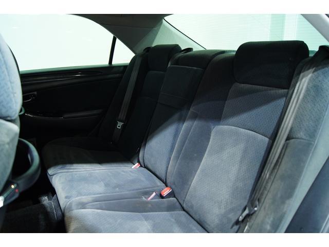 後部座席も使用感が少なく非常にいいコンデッションです☆