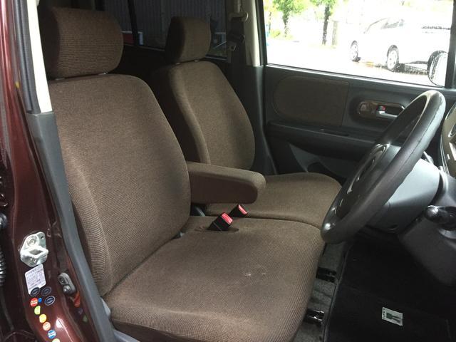 フロントシートはベンチシートです!
