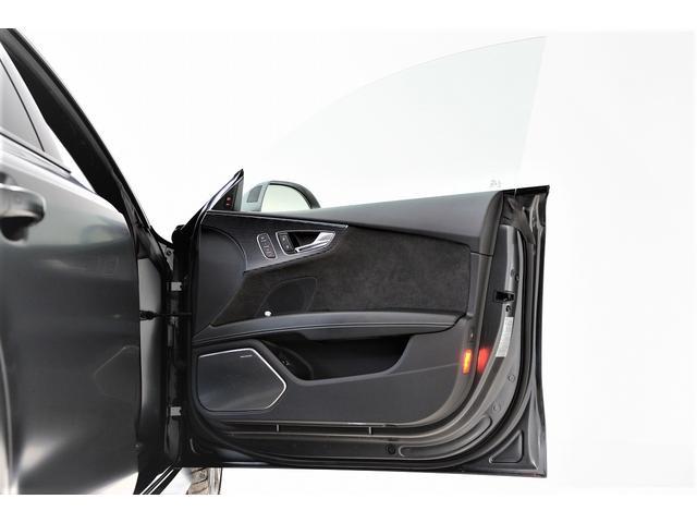 「アウディ」「RS7スポーツバック パフォーマンス」「セダン」「兵庫県」の中古車62