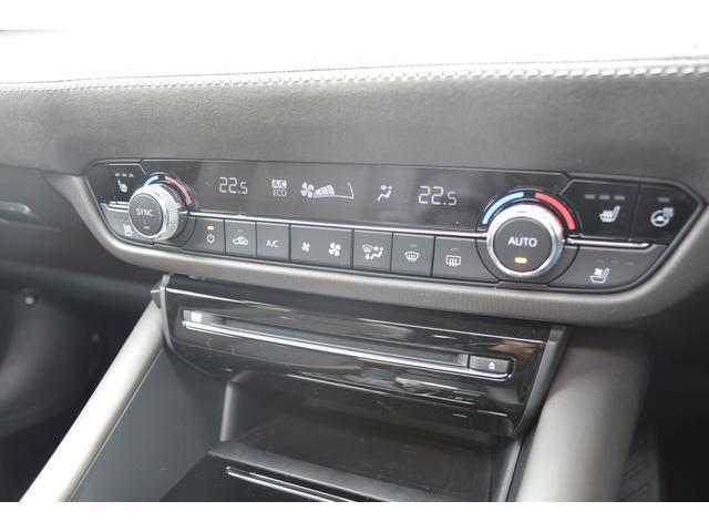 前席にシートヒーター、エアシートを装備しております。後席にもシートヒーターを装備しております。
