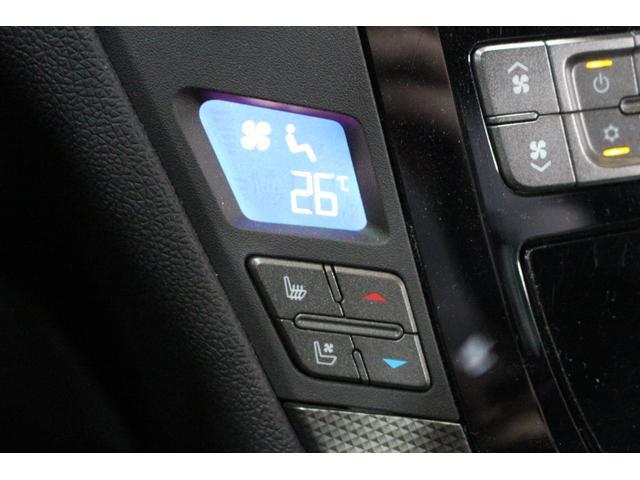 快適装備のシートヒーター&ベンチレーション機能付き。3段階で調整可能です。