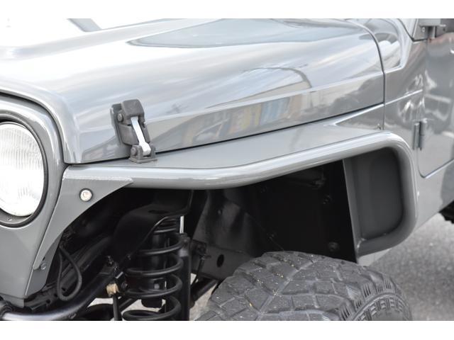 ルビコンステージでは、4WDのカスタム部品やカスタム車を専門に取り扱っております。アメリカからの輸入品も多数揃えております。皆様のカーカスタムライフの充実をサポートいたします。