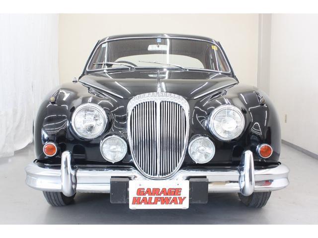 デイムラー デイムラー 2 1/2 V8サルーン 国内未登録 革シート