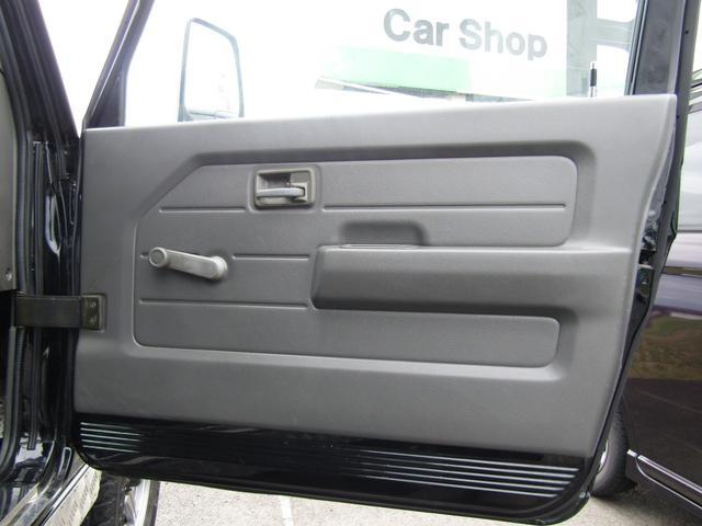 ワイルドウインド 4WD スムージング マフラー 革調シート(15枚目)