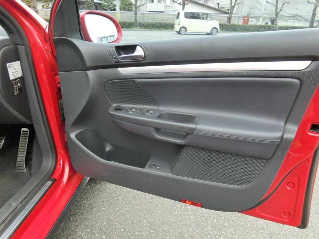フォルクスワーゲン VW ゴルフ GTI ブラックレザー HDDナビ