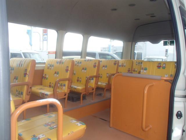 トヨタ ハイエースコミューター 幼児バス 大人4人+幼児18人 AT バックモニター