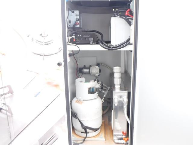 移動販売車 3室式 サブバッテリー オーニング 外部電源(11枚目)