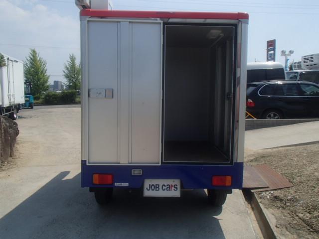 移動販売車 3室式 サブバッテリー オーニング 外部電源(16枚目)