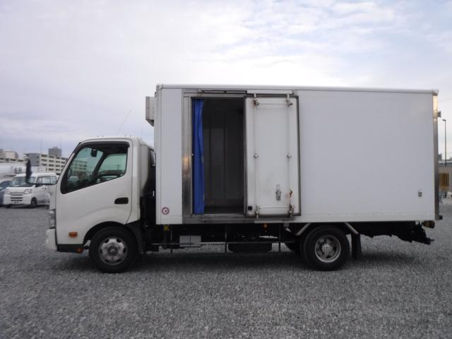 冷蔵冷凍車 二室式 低温 -32℃ 2.95t スライド(5枚目)