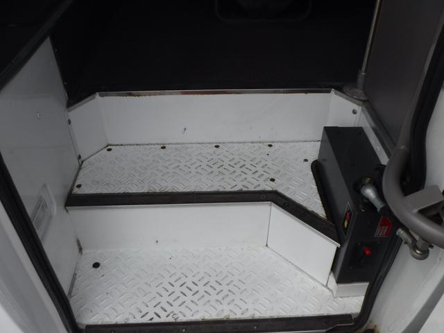 マイクロバス 小型送迎26人SX オートスイングドア 軽油(10枚目)