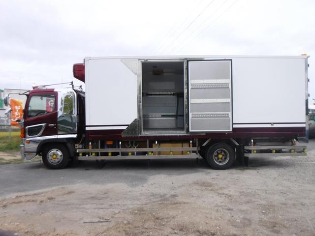 冷蔵冷凍車 低温-30℃設定 62ワイドベッド付 格納ゲート(5枚目)