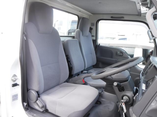 当社HPも是非ご覧下さい!【http://www.jobcars.jp/】 軽〜乗用車・商用バンなど幅広いラインナップを揃えております。当店で見て頂く事も可能ですのでお気軽にお申し付け下さい!!
