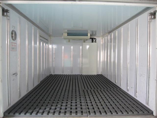 保冷庫内冷気吹出し口!庫内も嫌な臭い等も無く綺麗です!使用温度範囲MAX-22℃〜+20℃取扱説明書有ります。