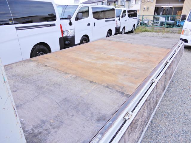 ロング ワイド 型式XZU710 積載2t 荷台寸法木製436cm188cm38cm Wタイヤ フルジャストロー MT6速 法人ワンオーナー 点検整備記録付き ETC ディーゼルターボ軽油 普通貨物1ナンバー(13枚目)