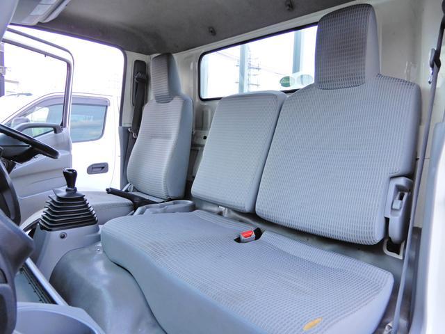 ロング ワイド 型式XZU710 積載2t 荷台寸法木製436cm188cm38cm Wタイヤ フルジャストロー MT6速 法人ワンオーナー 点検整備記録付き ETC ディーゼルターボ軽油 普通貨物1ナンバー(25枚目)
