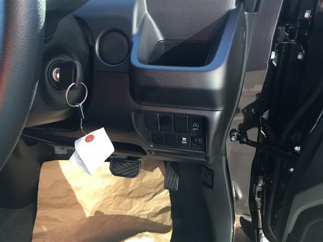 スズキ ワゴンR HYBRID FX 内装黒 届出済未使用車