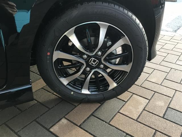 ホンダ N-BOXカスタム G L SENSING 届出済未使用車