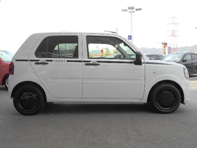 ダイハツの可愛い軽自動車「ミラトコット」の登場です!SA3搭載で安全面は◎カタログ燃費29.8km/L!さらにはナビ&パノラマモニター付でお買い得な一台です!