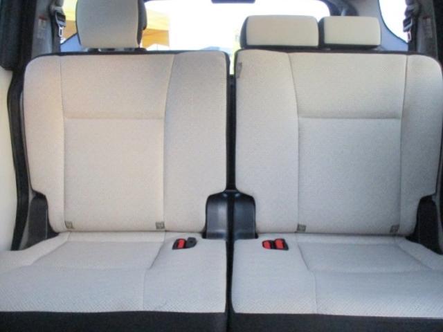 X ETC・バックカメラ・カロッツェリアメモリーナビ・Bluetooth・両側スライド片側電動ドア・キーレスエントリー・アイドリングストップ・3列シート・プロジェクターヘッド(21枚目)