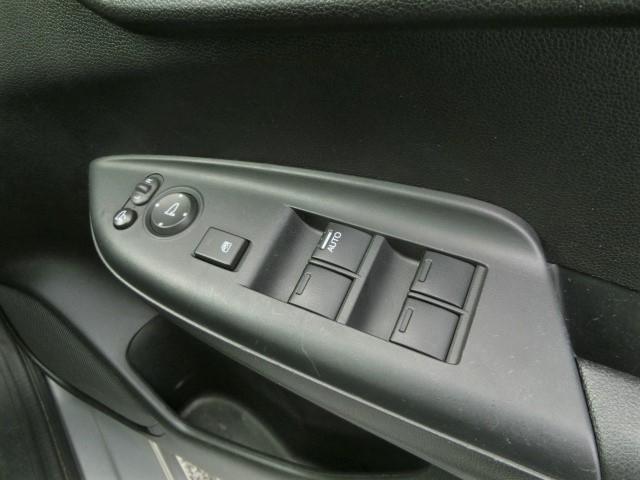 Fパッケージ 安全ブレーキ・純正メモリーナビ・Bluetooth・ワンセグ・ETC・プッシュスタート・スマートキー・オートエアコン・ハロゲンヘッドライト・ウィンカーミラー(16枚目)