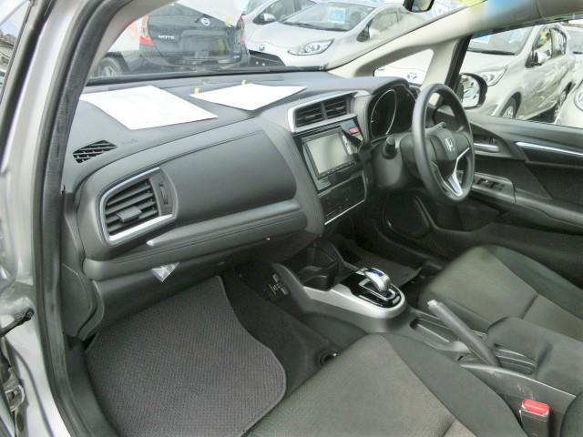 Fパッケージ 安全ブレーキ・純正メモリーナビ・Bluetooth・ワンセグ・ETC・プッシュスタート・スマートキー・オートエアコン・ハロゲンヘッドライト・ウィンカーミラー(21枚目)