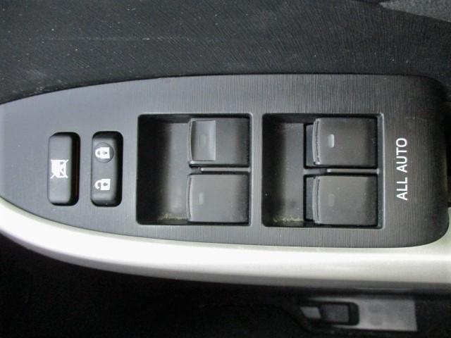 S 後期型・純正SDナビ・Bluetooth・ワンセグTV・Bカメラ・ETC・フォグライト・HIDヘッドライト・プッシュスタート・スマートキー・オートエアコン・ウインカードアミラー(14枚目)